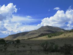 Blue Mountain, landmark on the Davis Mountains Scenic Loop. Find it on Hwy 166 a few miles SW of Fort Davis, Texas Places To See, Places Ive Been, Fort Davis, West Texas, Le Far West, Blue Mountain, Painting Tips, Serenity, Things To Do