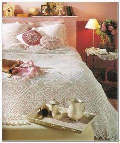 Interesting ideas for decor: bedspread/ покрывало Crochet Patterns Filet, Filet Crochet, Crochet Bedspread, Bed Spreads, Bed Sheets, Needlework, Shabby Chic, Furniture, Design