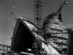 Sydney Opera House construction progress shows dogman 'riding the load', November 1965. Max Dupain photo.