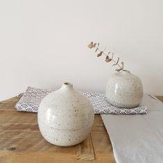 2 White Speckled Ceramic Bottle Vases Set of 2 Minimalist Ceramic Decor, Ceramic Vase, Pottery Vase, Ceramic Pottery, Bud Vases, Flower Vases, Olive Oil Jar, Bottle Vase, Vases