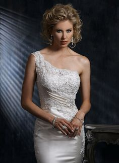 Large View of the Elya Bridal Gown
