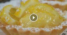 La crostata al limone è  una crostata adatta a ogni stagione con il suo profumo intenso e il suo sapore delicato. Per la buona riuscita di questo