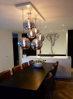 Living Room Lighting, Home Lighting, Staircase Lighting Ideas, Royal Furniture, Home Decor Baskets, Bedroom Decor For Couples, Modern Lighting Design, Chandelier Ceiling Lights, Metal Wall Decor