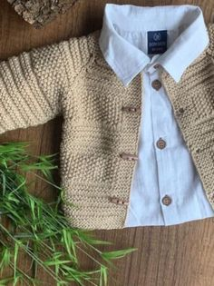 Baby Sweater Knitting Pattern, Baby Boy Knitting, Knitted Baby Cardigan, Knitting For Kids, Baby Knitting Patterns, Crochet For Kids, Baby Patterns, Baby Vest, Baby Sweaters