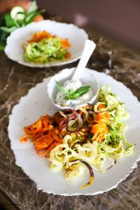Zucchini, Bbq, Ethnic Recipes, Food, Vegetarian Recipes, Healthy Recipes, Summer Time, Carrots, Side Dishes
