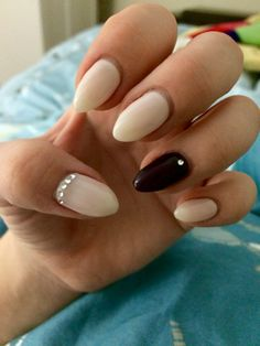 fall nails almond shape diamond design dark purple and baby pink