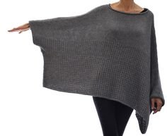 This oversized sweater is worked from the top down, sleeve edge to sleeve edge in Stockinette and Sand Stitch. Techniques used: invisible (provisional) cast on, short rows, picking up stitches, 3 need (Diy Clothes Sweater) Sweater Knitting Patterns, Knitted Poncho, Knitted Shawls, Knit Patterns, Knitting Ideas, Mode Crochet, Knit Crochet, Learn Crochet, Crochet Stitches