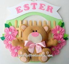 Felt bear Baby Crafts, Felt Crafts, Handmade Crafts, Diy And Crafts, Felt Wreath, Felt Baby, Bear Felt, Felt Decorations, Felt Fabric