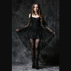 NEW Dark in Love Black Lace Ghost Dovetail High-Low Dress Gothic Victorian… Hot Goth Girls, Gothic Girls, Hot Girls, Gothic Outfits, Gothic Dress, Punk Rock, Crow Costume, Fishtail Dress, Cute Fashion