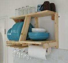 plate racks Plate Rack and Kitchen Storage Board Pallet Furniture Designs, Home Decor Furniture, Wood Furniture, Furniture Buyers, Kitchen Wall Storage, Kitchen Decor, Kitchen Design, Kitchen Wood, Pallet Storage
