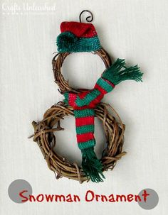 Create an adorable simple snowman Christmas ornament craft with this step by step tutorial. A quick and easy project! Perfect for an afternoon or group project!