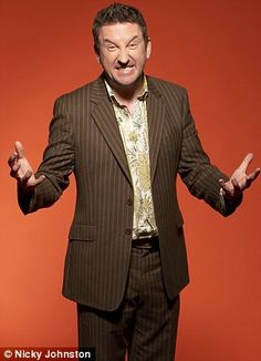 Lee Mack - British comedian that never fails to make me laugh. Not going out is hilarious English Comedians, English Comedy, Top Comedians, Funny Comedians, British Humor, British Comedy, British Actors, Lee Mack, Comedy Actors