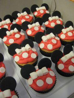 Adorable Disney's Minnie Mouse Cupcakes!!!  Them !