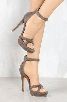 4f1d688145c Fashionable nude high heel shoes   Size 12 High Heels