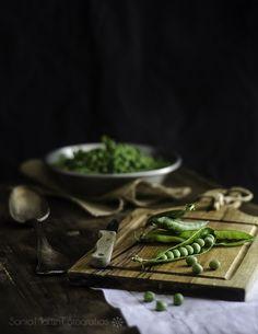 https://flic.kr/p/mVVQqM | Guisantes con hierbabuena | Adoro el sabor de los guisantes frescos, y cada primavera espero pacientemente a encontrarlos, comprarlos, desgranarlos... y fotografiarlos.