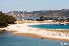 Lago dos Nenos nenos y playa de Rodas Parque Nacional de las Islas Atlánticas de Galicia Islas Cíes