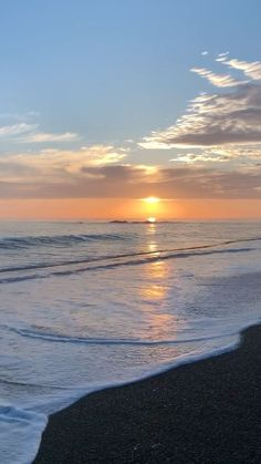 Cambria+Moonstone Beach+Calm Sunset Surf+Waves Sounds Video Clip by Scout by the Sea photography Sunset Surf Sounds Sunset Pictures, Beach Pictures, Nature Pictures, Pretty Sky, Beautiful Sunset, Background Macbook, Moonstone Beach, Sunset Surf, Beach Aesthetic