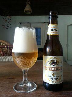 """A cervejaria Kirin, japonesa, chegou de mansinho, comprou a Eisenbahn e está produzindo esta lager aqui. Ela está acima das """"mijo de cavalo"""", com algum malte e lúpulo razoáveis, mas muito abaixo das Heineken e Stella, além de custar quase o dobro."""