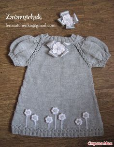 Hello everyone who decided to wear a dress with me … – Kids Fashion Baby Sweater Knitting Pattern, Knit Baby Sweaters, Baby Knitting Patterns, Girls Knitted Dress, Knit Baby Dress, Baby Girl Dresses, Baby Outfits, Kids Outfits, Knitting For Kids