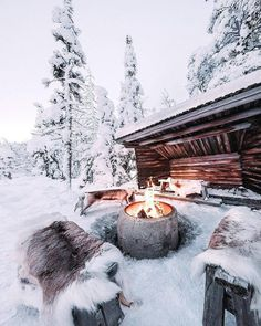 winter Snowy cabin Benefits Of Gardening For Kids Apparently, we can see how nature is treated these Alaska Winter, Winter Szenen, Winter Cabin, Cozy Cabin, Winter Time, Snow Cabin, Winter Night, Winter Wonderland, Winter Pictures