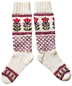 Kaupunki kukkii -sukat Crochet Socks, Knitting Socks, Knit Crochet, Knit Socks, Knitting Paterns, Knitting Machine Patterns, Knitting Ideas, Fair Isle Knitting, Fair Isles