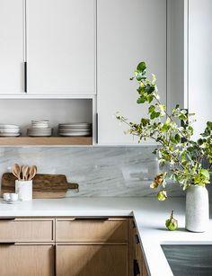 home interior design kitchen room Home Decor Kitchen, New Kitchen, Home Kitchens, Kitchen Ideas, Kitchen Layout, Minimal Kitchen, Kitchen Modern, Remodeled Kitchens, Kitchen Inspiration