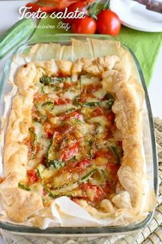 Savory pie with zucchini , peppers and scamorza - Torta salata con Zucchine, Peperoni e Scamorza Veggie Recipes, Gourmet Recipes, Vegetarian Recipes, Cooking Recipes, Healthy Recipes, Brunch, Good Food, Yummy Food, Italy Food