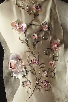 SilkDamask : Haute Couture and the Métier d'Arts