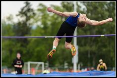 Sedro-Wooley junior Si DeJong shows his flixibility as he practices the high jump before competing in the the 2A District Track Meet Finals on Friday at Civic Field in Bellingham Wash. ... ... ... #photojournalism #trackandfield #sports #highjump #highschool #prepsports #editorial #documentary #capturedmoment #paulconradphotography #bellinghamphotographer #pnw #pacnw #sedrowooley #skagitcounty