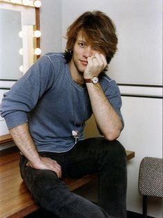 Jon Bon Jovi American Pop Singer Bon Jovi Group Sitting in His Dressing Room Impressão fotográfica na AllPosters.pt