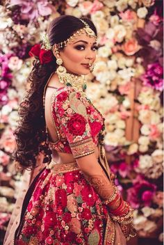 Bridal Jewelry The traditional bride in our long braided hair and sophisticated bridal makeup. Thankyou for sharing… - Indian Bridal Outfits, Indian Bridal Wear, Indian Dresses, Indian Clothes, Indian Wear, Red Lehenga, Bridal Lehenga, Lehenga Chunni, Floral Lehenga