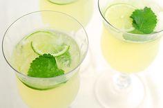This Honey Lemon Balm Spritzer recipe is a refreshing summer drink using honey and fresh lemon balm. Virgin Cocktails, Refreshing Summer Drinks, Lemon Balm, Honey Lemon, Non Alcoholic, Yummy Drinks, The Balm, Ethnic Recipes, Desserts