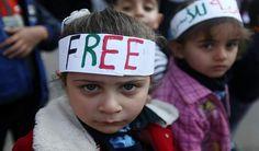 Israel releases 26 Palestinian prisoners before talks