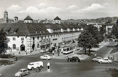 Charlottenplatz mit Altem Waisenhaus, 50er Jahre   https://www.facebook.com/stuttgarthistorisch/photos/a.193233527475046.46820.193231040808628/1159116444220078/?type=3