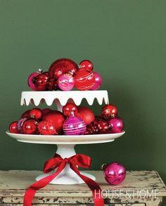Bold Holiday Colour Combinations via House & Home. #Christmas