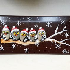 17 Aralık'ta ben ve baykuşlarım sizleri bekliyoruz. Rock Crafts, Crafts To Sell, Diy And Crafts, Crafts For Kids, Pebble Painting, Pebble Art, Stone Painting, Handmade Decorations, Christmas Decorations