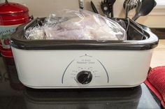 Electric Turkey Roaster Cooking Tips | eHow.com