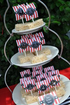 Treats at a Pirate Party #pirate #partytreats #PirateParty #PirateBirthday #PartyIdeas #Pirate #PirateDecor
