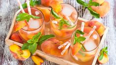 Rezept: Pfirsich-Eistee Barbecue, Sweet & Easy, Cantaloupe, Food, Punch, Cocktail, White Wine Sangria, Fish Dishes, Snacks