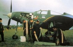 Rearming guns on a RAF P-400 Airacobra from 601 Squadron, it was the only British Squadron ever armed fighters, the P-400 from August, 1941 to March 1942