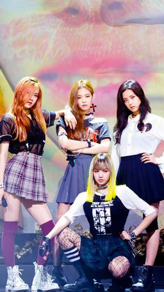 Find images and videos about kpop, rose and blackpink on We Heart It - the app to get lost in what you love. Kim Jennie, K Pop, Kpop Girl Groups, Korean Girl Groups, Kpop Girls, Foto Rose, Bff, Black Pink Kpop, Black Pink Rose