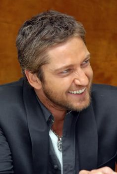 Gerard Butler. Love his smile and eyes.