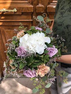 927fee6defa83 Livraison de fleurs de qualité réalisés avec savoir-faire chez Caprice de  Fleurs