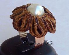 Tutorial anello con il riciclo creativo di vecchi stivali in pelle.