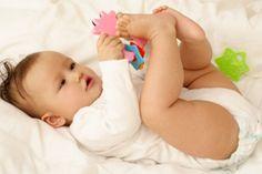 Greifen, Drehen, Sitzen: Wann kann ein Baby was?