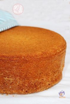 Genoise al pistacchio Italian Desserts, Just Desserts, Italian Recipes, Italian Dishes, Sweets Recipes, Cake Recipes, Cake Cookies, Cupcake Cakes, Torte Cake