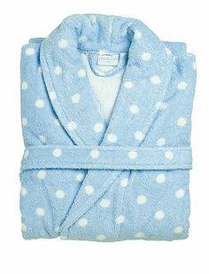 Super süße Bademäntel mit Punkten. Die Mäntel haben einen Schalkragen und zwei aufgesetzte Taschen, von Cath Kidston.