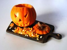 My tiny world: Dollhouse miniatures: Preparing for Halloween ~ Jack-O-Lantern