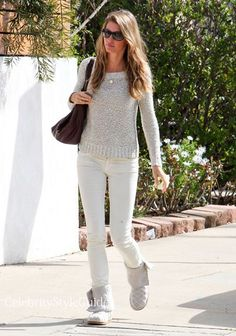 awesome Seen on Celebrity Style Guide: Supermodel Gisele Bundchen wore these white skinny jeans and knit boo... Celebrity Style Check more at http://pinfashion.top/pin/58388/