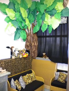Safari Theme for classroom reading corner. Animal print pillows would be cute in my reading corner. Jungle Theme Classroom, Classroom Setting, Classroom Design, Classroom Displays, Classroom Themes, Future Classroom, Classroom Libraries, Art Classroom, Classroom Organization